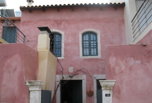 old traditional house in crete greece